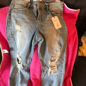 Mid rise, relaxed skinny crop jeans